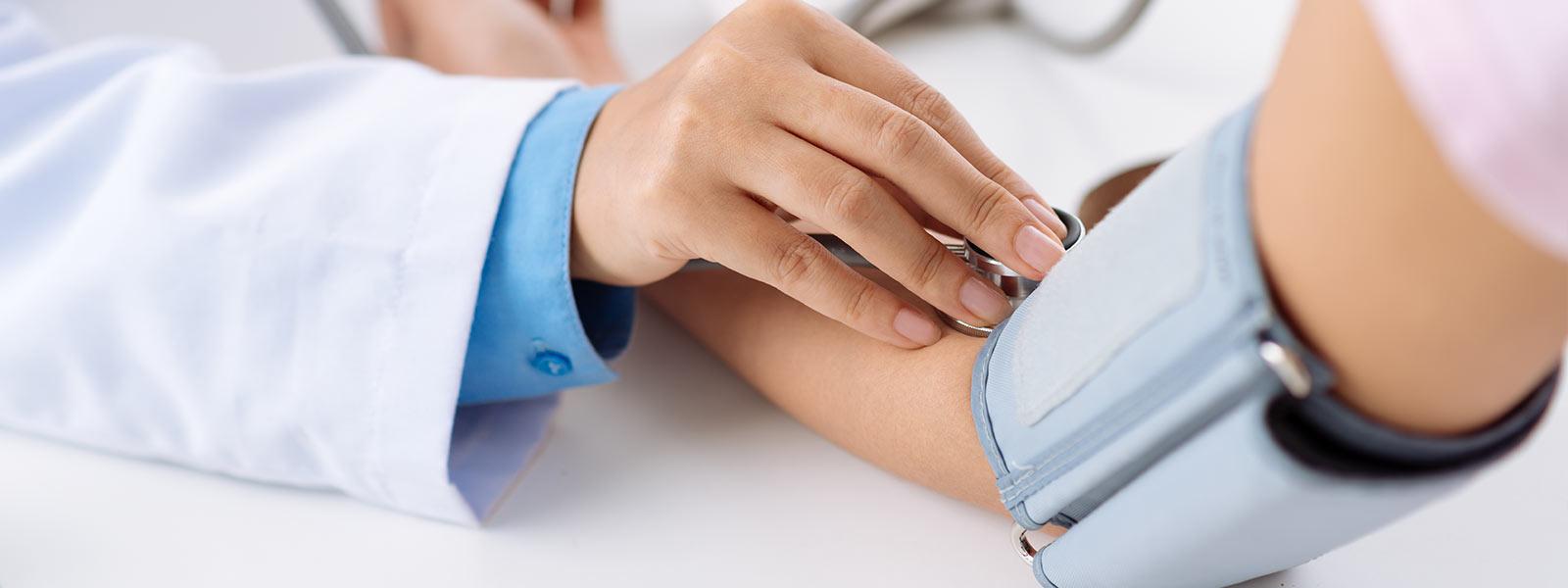 Thông tư liên tịch 37/2015/TTLT-BYT-BTC quy định thống nhất giá dịch vụ khám chữa bệnh BHYT giữa các bệnh viện cùng hạng trên toàn quốc