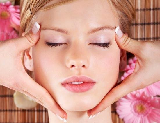 Chăm sóc da mặt hàng ngày hiệu quả giúp da trắng mịn
