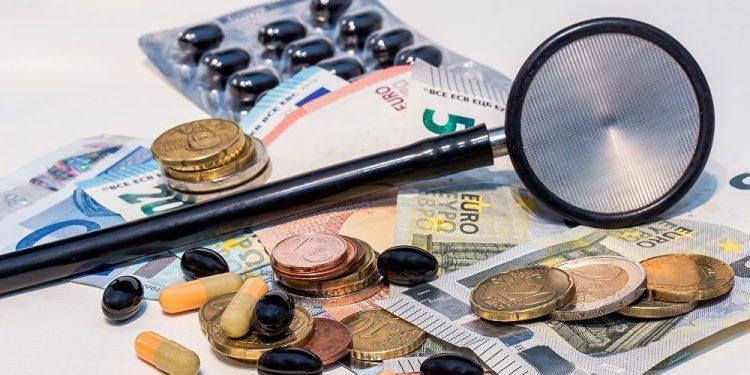 Chi phí đáng kinh ngạc mà BHYT phải chi trả cho thuốc kháng sinh