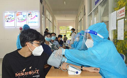 Từ ngày 10/9 Không cần đo huyết áp tất cả người tiêm vaccine COVID-19